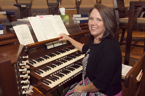 480X320Heather at organ portrait(website