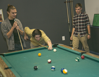 youth-playing-pool